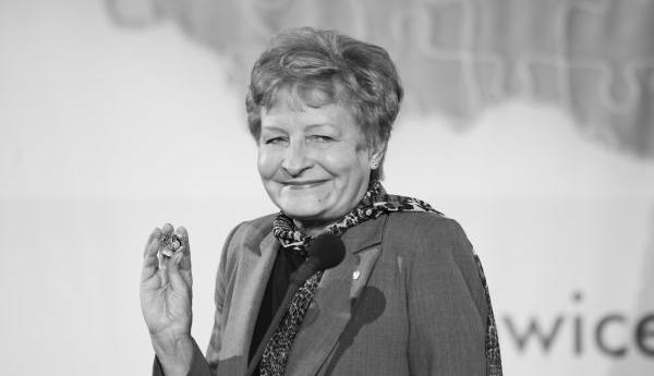 Profesor Zyta Gilowska - wszystkich świętych czas zadumy
