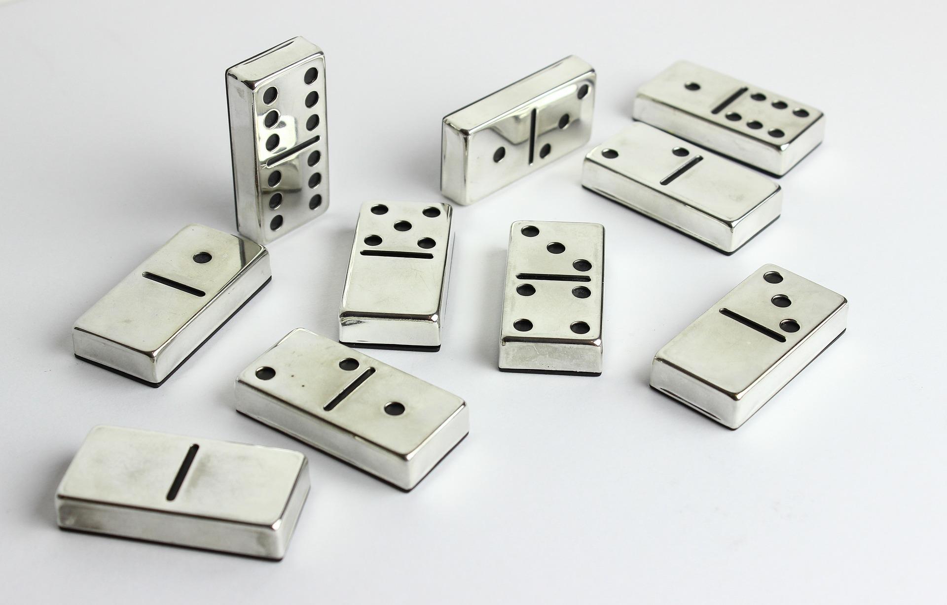Domino - gry planszowe.